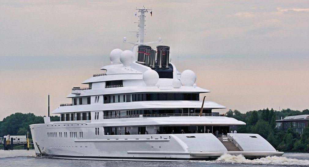 yacht-azzam